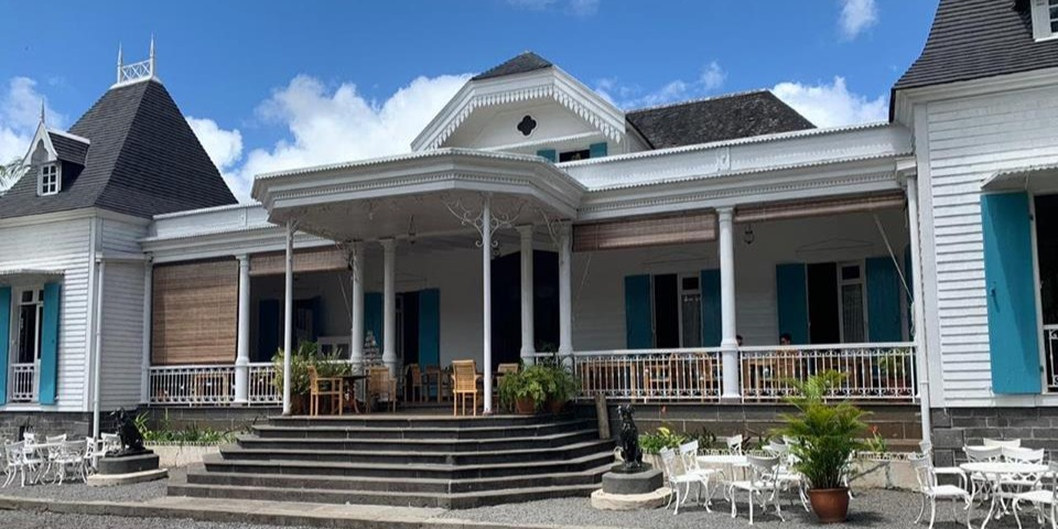 An enchanting visit at a historical colonial house of Mauritius at Domaine des Aubineaux.