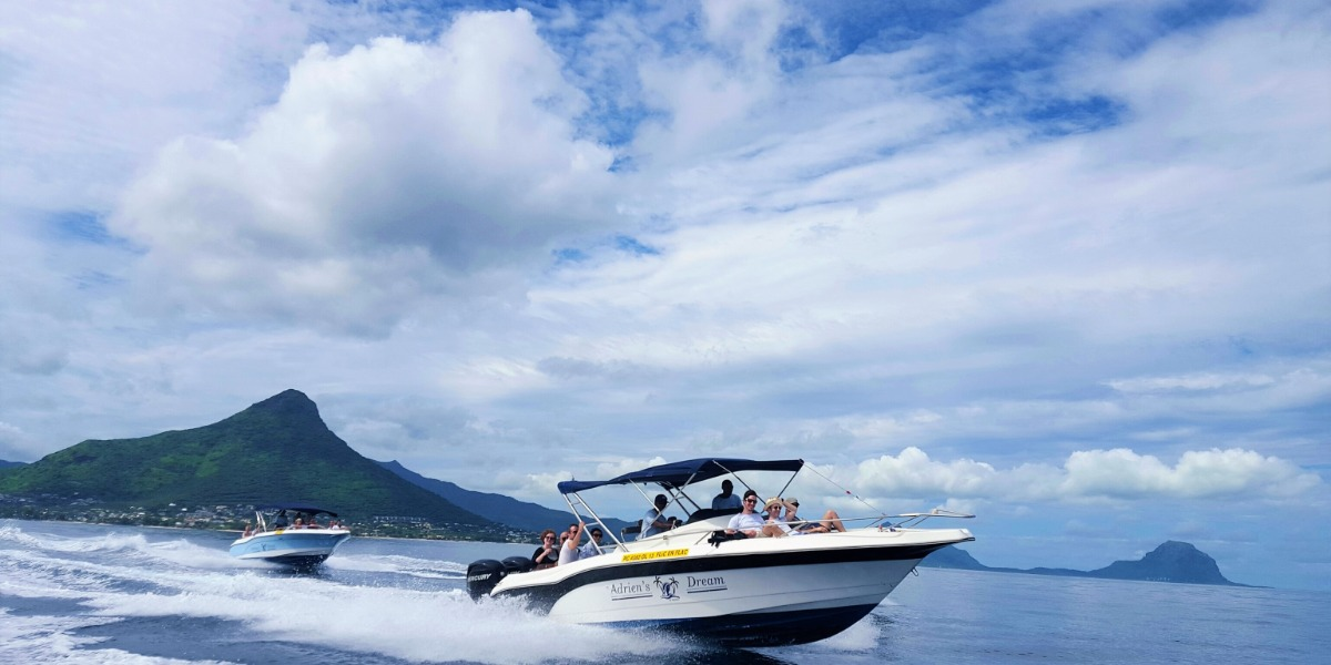 Full Day Speed Boat to Bénitiers Island
