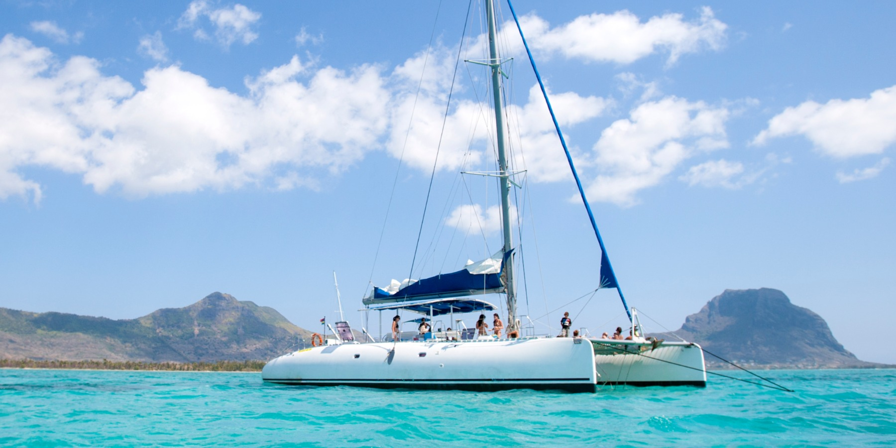 Catamaran Cruise West Coast-Including Lunch & Beverages