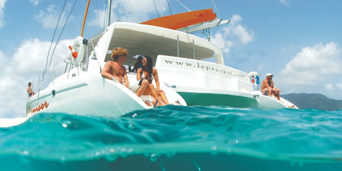 Catamaran Cruise South East to Ile Aux Cerfs